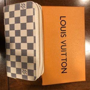 LV Double zip wallet